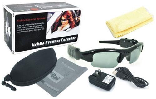 מצלמה נסתרת בתוך משקפיים, מצלם עד 5 שעות וידאו , עדשות פולארויד(!)