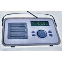 טרנזיסטור רדיו ביצוב רטרו עם כניסת USB,  חריץ לכרטיס זכרון,MP3 ,בלוטוס וסוללה נטענת פנימית  BLAUPUNKT BP 1000